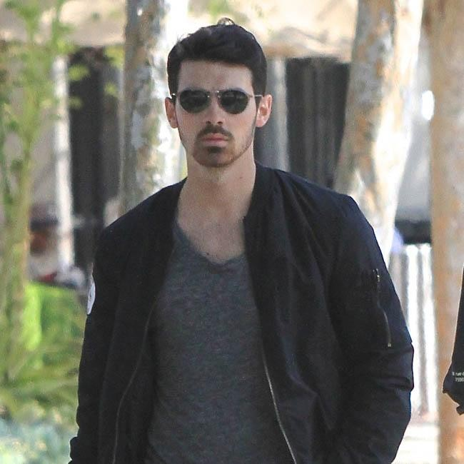 """who is joe jonas dating now Taylor swift and joe jonas began dating when swift was just entering the entertainment business in the summer of 2008, swift could not stop gushing about dating the jonas brother, saying, """"he's an amazing guy."""