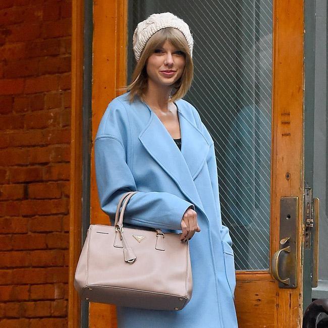 72d65755d3f3 Taylor Swift boasts Prada bag