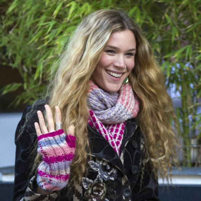 Joss Stone was her sisters back-up singer