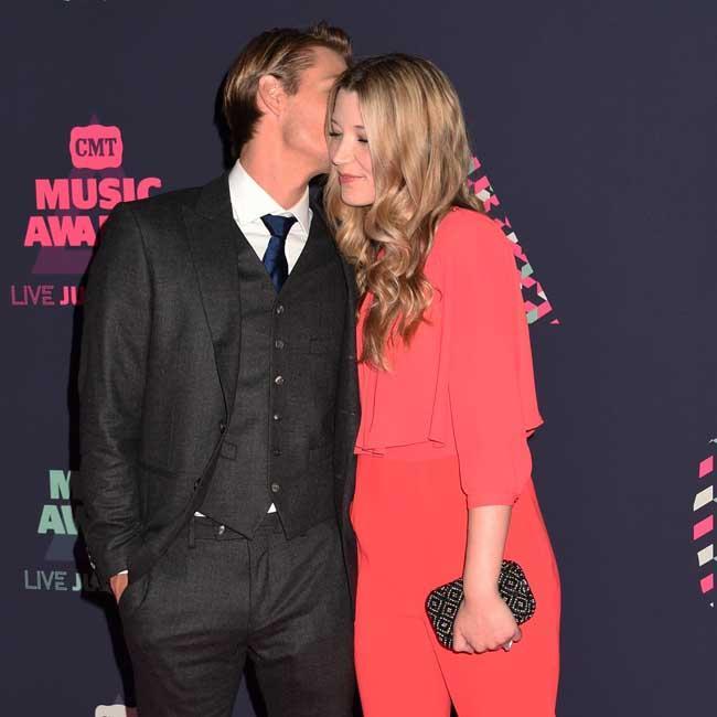 Chad Michael Murray gives Sarah Roemer cheeky kiss