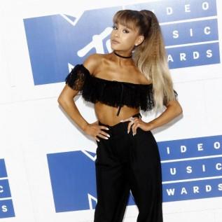 Ariana Grande confirms she's dating Mac Miller