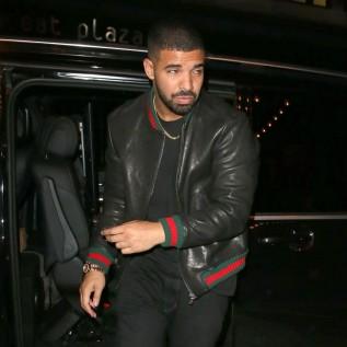 Drake late to VMAs due to traffic
