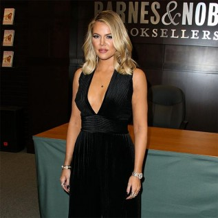 Khloe Kardashian claims no one cares about her divorce