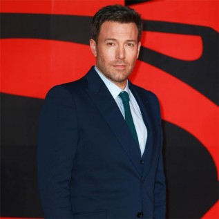 Ben Affleck confirms Deathstroke in Batman movie
