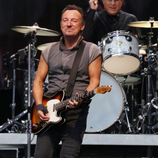 Bruce Springsteen signs absence note for young fan