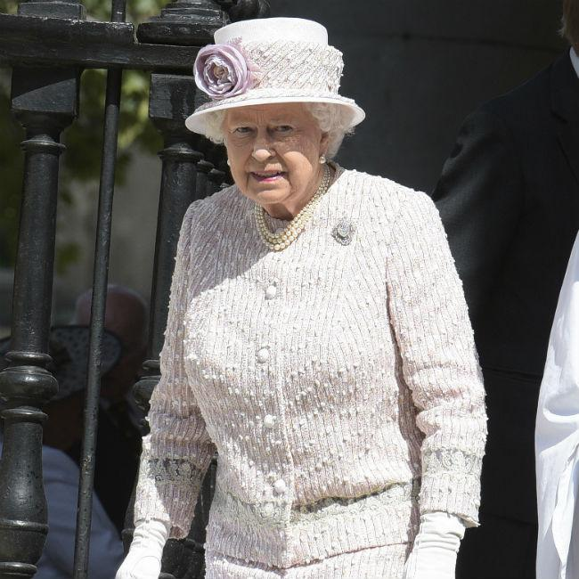 Queen Elizabeth is chauffeur for Duchess Catherine