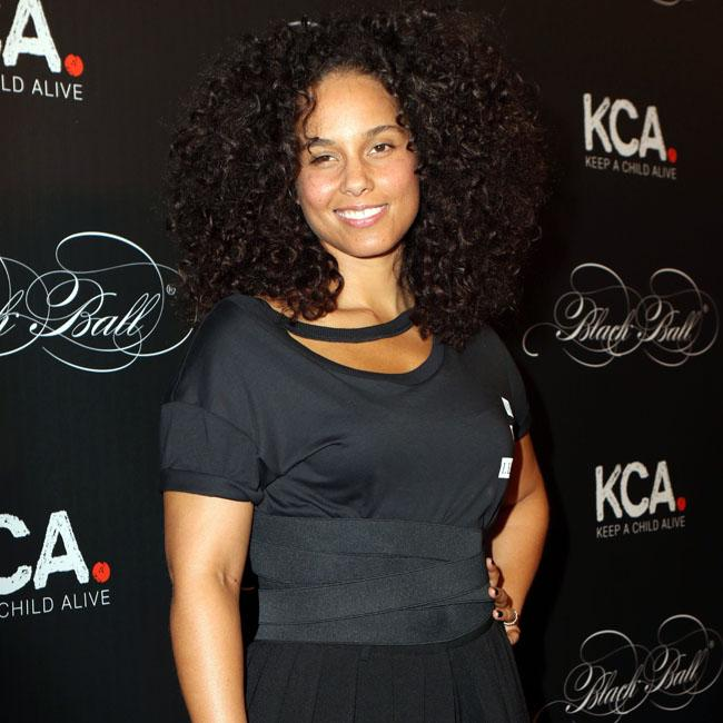 Alicia Keys Meditating Has Made Me A Better Mother