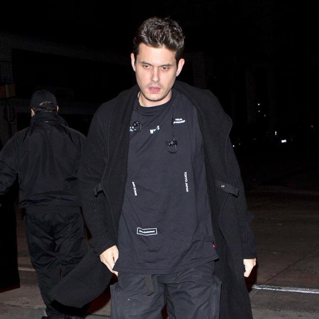 Brothers John Mayer: John Mayer Dresses In Tracksuit For Dinner