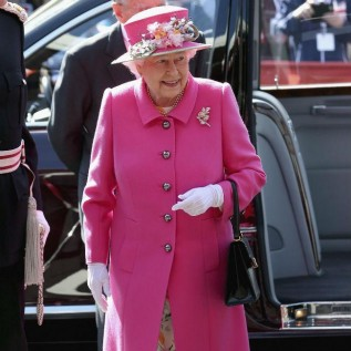 Queen Elizabeth had to shake 'grisly' cold ahead of Buckingham Palace party