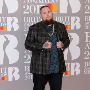 Rag 'n' Bone Man puts his glad rags on to scoop two BRITs
