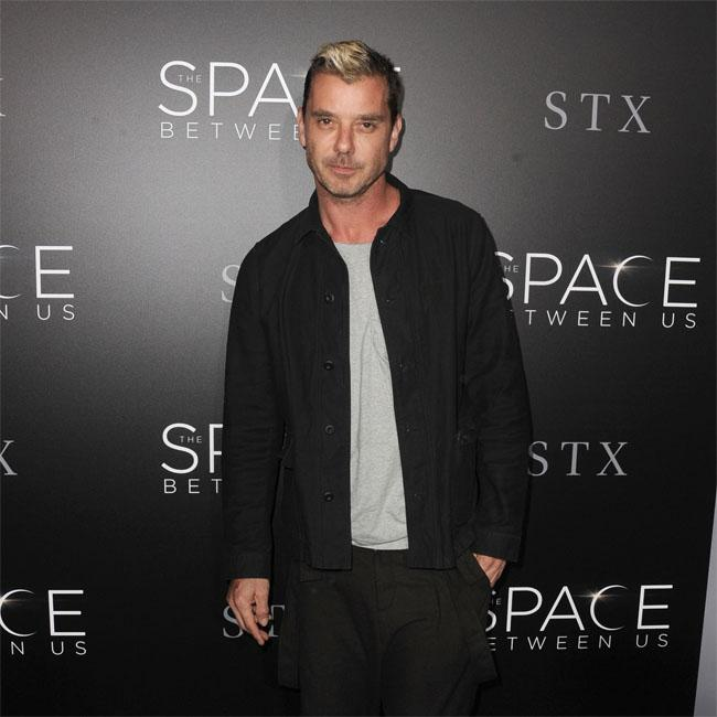 Gavin Rossdale dating Sophia Thomalla?