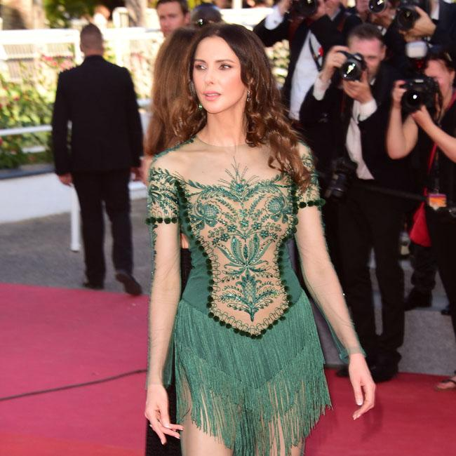 rihannah hair styles frederique bel in green on the cannes carpet 3324