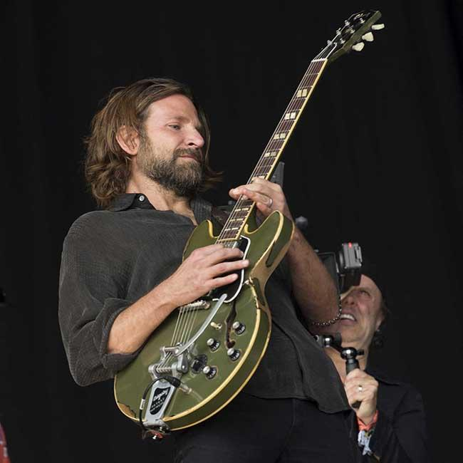Bradley Cooper surprises fans at Glastonbury