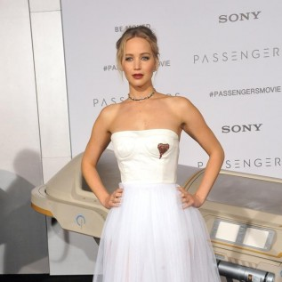 Jennifer Lawrence took her puppy on a date with Darren Aronofsky