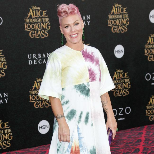 Pink backs Taylor Swift in Katy Perry feud