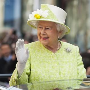 Queen Elizabeth acquires eco-friendly van