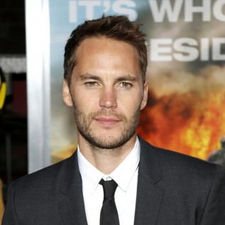 Taylor Kitsch loses 30 pounds while filming Waco