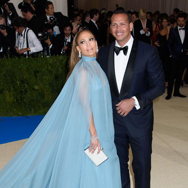 Jennifer Lopez moving in with Alex Rodriguez