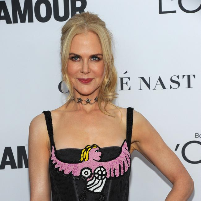 Nicole Kidman picks up icon award