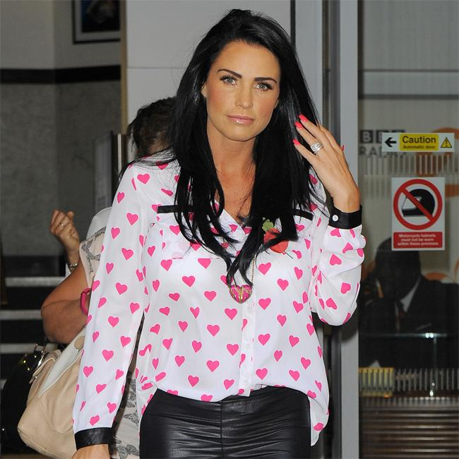 Katie Price seeing therapist to cope with mother's illness