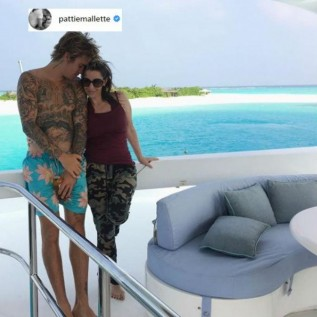 Justin Bieber's mother says he's an 'amazing young man'