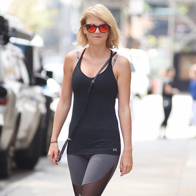 Taylor Swift wants lawsuit dismissed