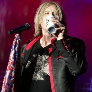 Def Leppard catalogue now on streaming services