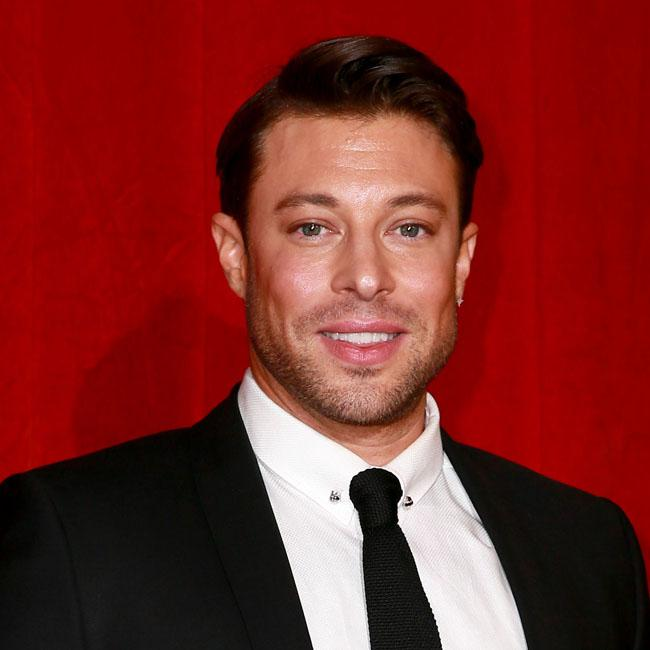 Duncan James needs op on spine