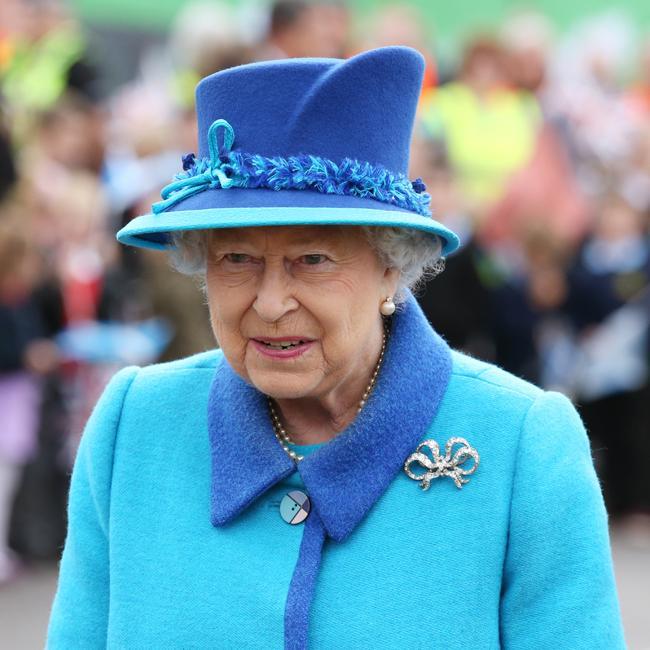Queen Elizabeth meets with female Black Rod