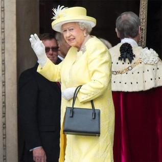 Queen Elizabeth makes debut at London Fashion Week