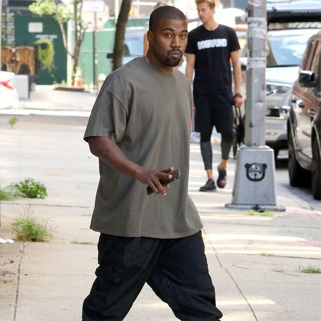 Kanye West deletes Instagram account