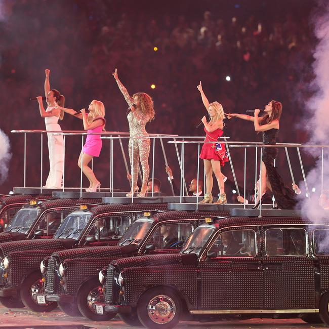 Spice Girls sign tour contracts