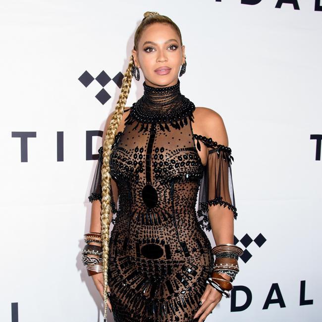 Beyonce battles Taylor Swift at Nickelodeon Kids' Choice Awards