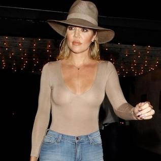 Khloe Kardashian gives in to cravings