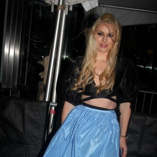 Lindsey Vonn channels Frozen's Elsa