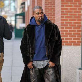 Kanye West paid $85k for Whitney Houston bathroom photo