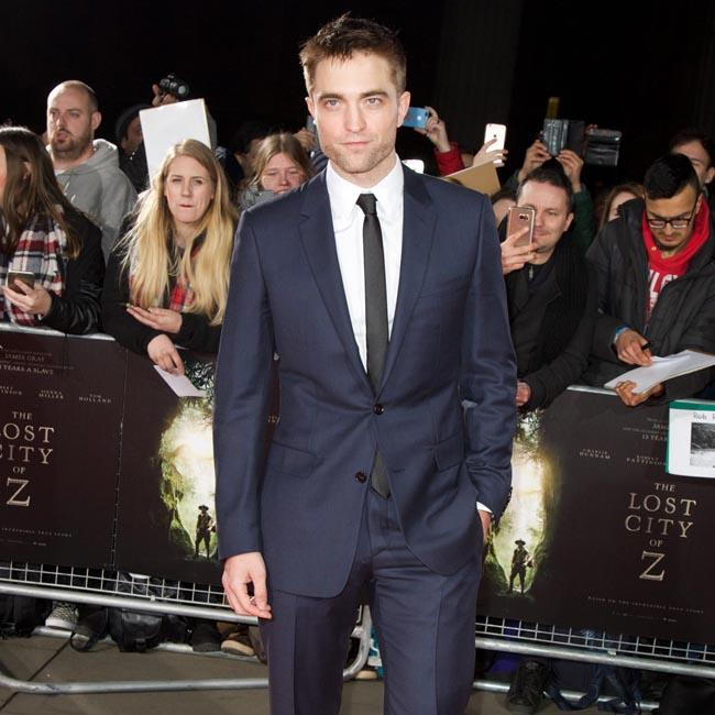 Robert Pattinson praises 'power house' co-stars