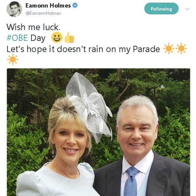 Eamonn Holmes' cheeky Queen question at investiture ceremony