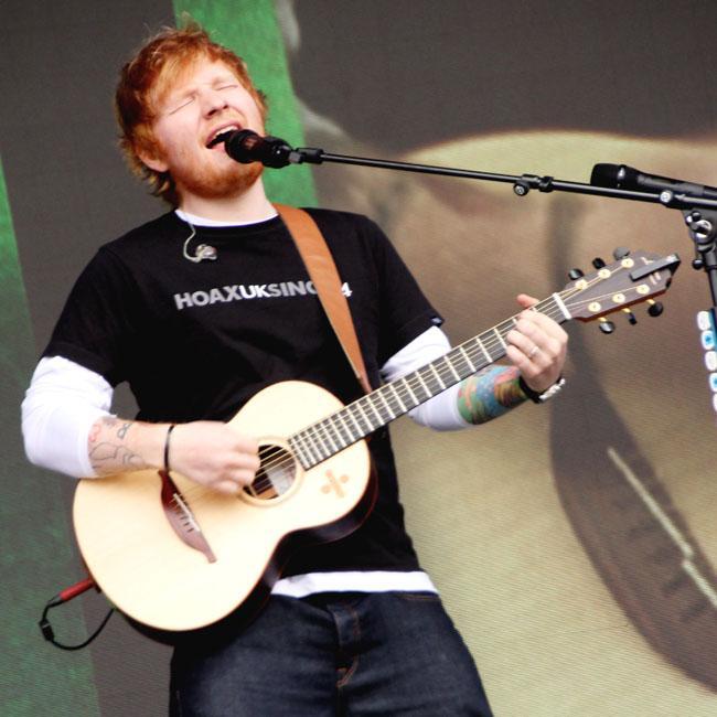 Ed Sheeran interrupts gig to use the toilet