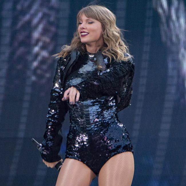 Taylor Swift brings out special guest Niall Horan at Wembley Stadium