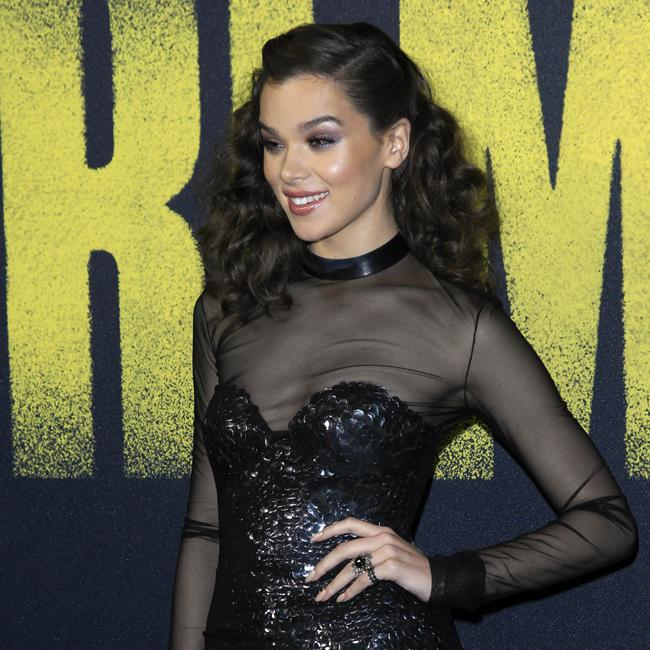 Hailee Steinfeld's thrilled Taylor Swift and Katy Perry made up