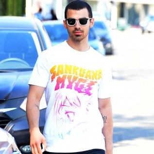Joe Jonas voices support for protests against Donald Trump