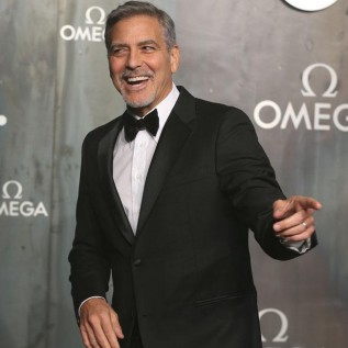 George Clooney returns to set