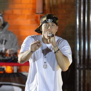 Eminem performs with 50 Cent