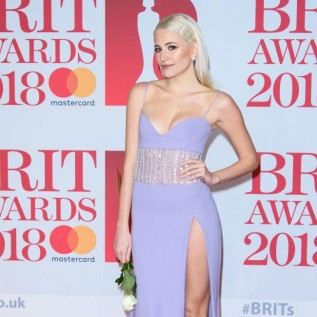 Pixie Lott wants 18 bridesmaids when she gets married