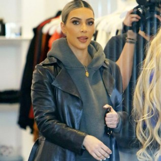 Make-up artist insists Kardashian family didn't fire her