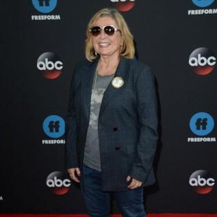 Roseanne Barr wants online talk show