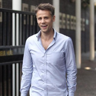 Richard Bacon cured after 'terrifying ordeal'