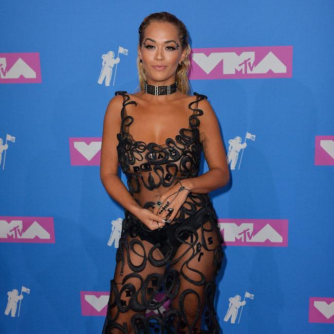 3639dbb8d58b Rita Ora pays tribute to Avicii with VMA win