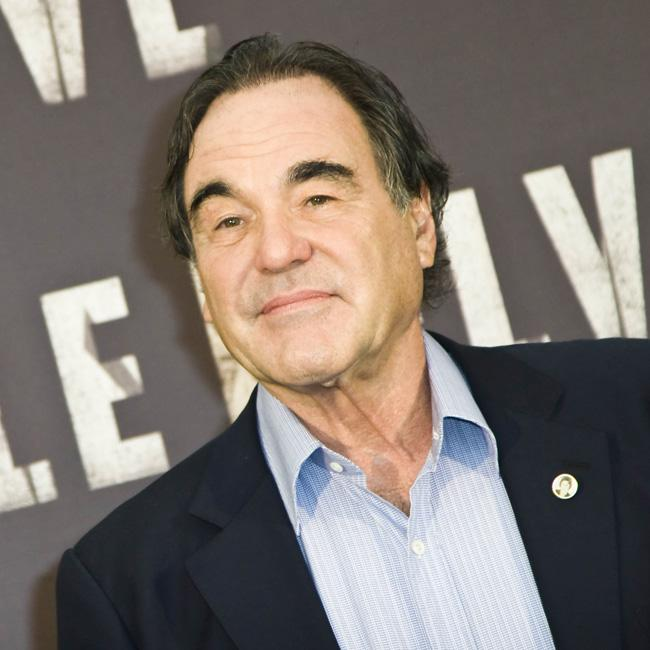 Oliver Stone to direct Benicio del Toro in White Lies